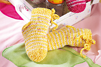 Geringelte Babysocken stricken