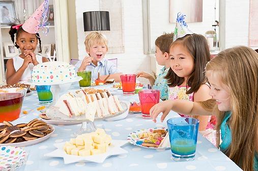 kindergeburtstag verkehrte welt essen bilder. Black Bedroom Furniture Sets. Home Design Ideas