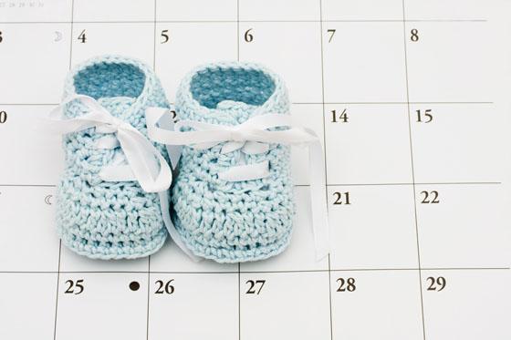 bertragung wenn das baby auf sich warten l sst. Black Bedroom Furniture Sets. Home Design Ideas