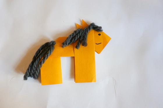 Pferd falten