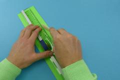 Osterkörbchen basteln: 2. Wellpappe zuschneiden