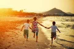 Eine Studie sagt, Schwestern machen glücklich