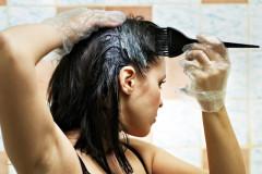 Haare färben in der Stillzeit