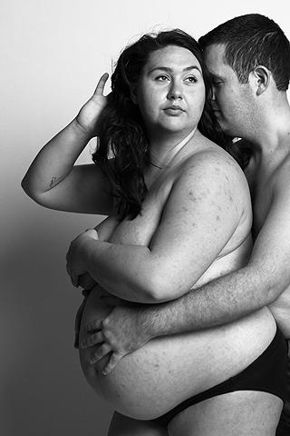 The Bodies of Mothers: Heather (27), schwanger mit Zwillingen
