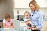 Mythos Babyerziehung: Nur Rabenmütter gehen gleich arbeiten.