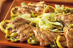 Hähnchenschenkel und Oliven-Fenchel-Salat