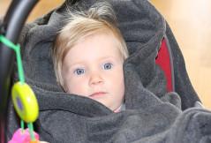 Hoppediz-Decke im Test: familie.de testet eine warme Autositzdecke