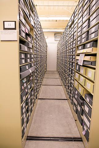 Meterhohe Aktenschränke voller original Skizzen in der Animation Research Library