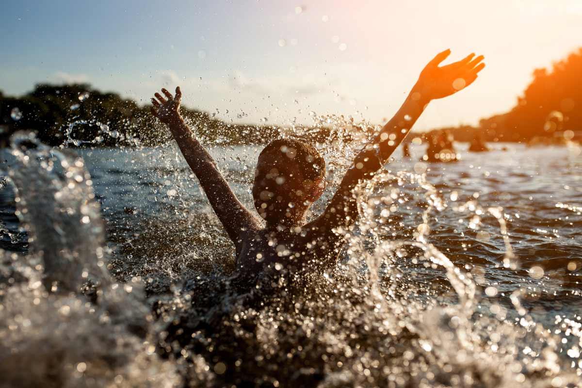 Zerkarien: Im Badesee lauert die Gefahr