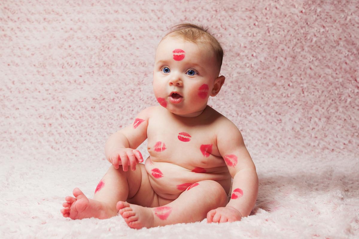 Baby auf den Mund küssen_Herpesgefahr