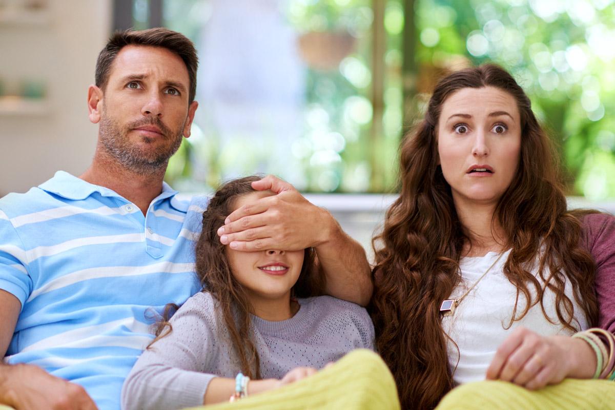 Fernsehen und Vorbilder: Reden Sie mit Ihren Kindern