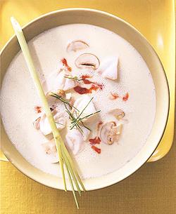 Teubner: Fischsuppe mit Zitronengras und Galgant