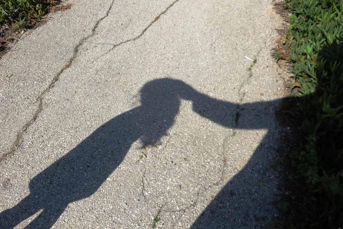 Wie Kinder lernen, nicht mit Fremden mitzugehen