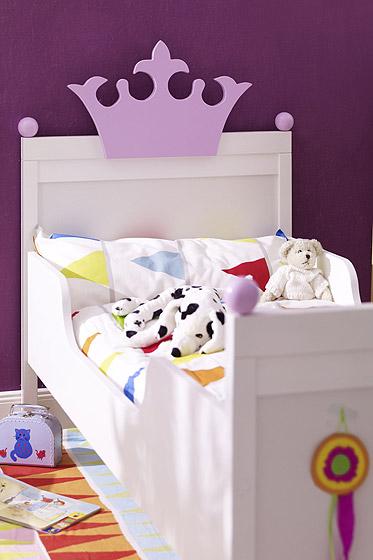Kinderbett selber bauen prinzessin  Kinderbett selbst bauen: Prinzessinnenbett - Familie.de