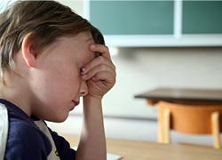 Schlechte Noten im Zwischenzeugnis stressen Schüler