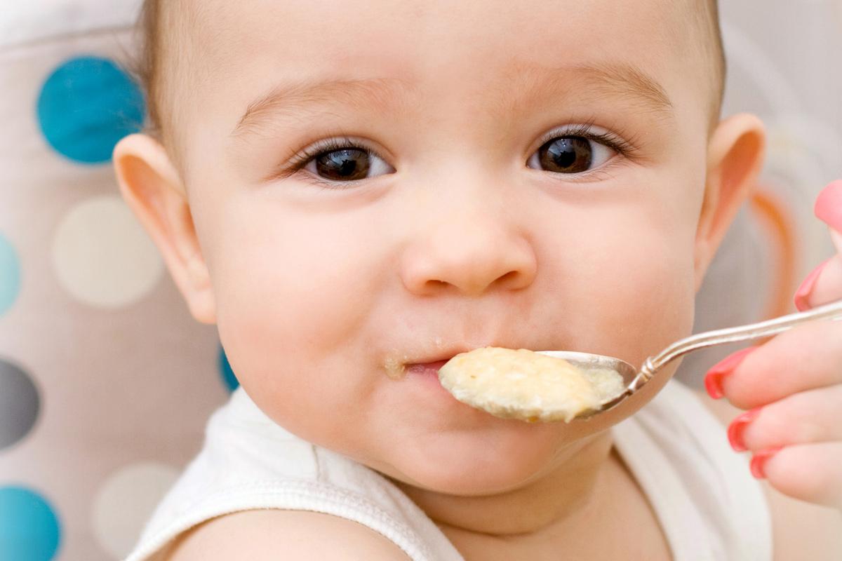 Abendbrei: Milch-Getreide-Brei fürs Baby