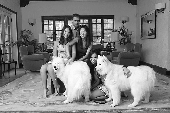 Amy Chua, ihre Töchter, ihr Mann und ihre Hunde