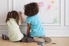 kinder allein zuhause lassen wann darf man das. Black Bedroom Furniture Sets. Home Design Ideas