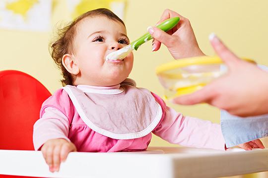 Babybrei Rezepte: 4 leckere Rezepte für Babys ersten Brei