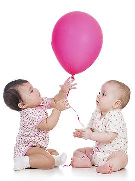 Babys mit Ballon