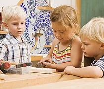 Wie Sie bei der Kinderbetreuung sparen können