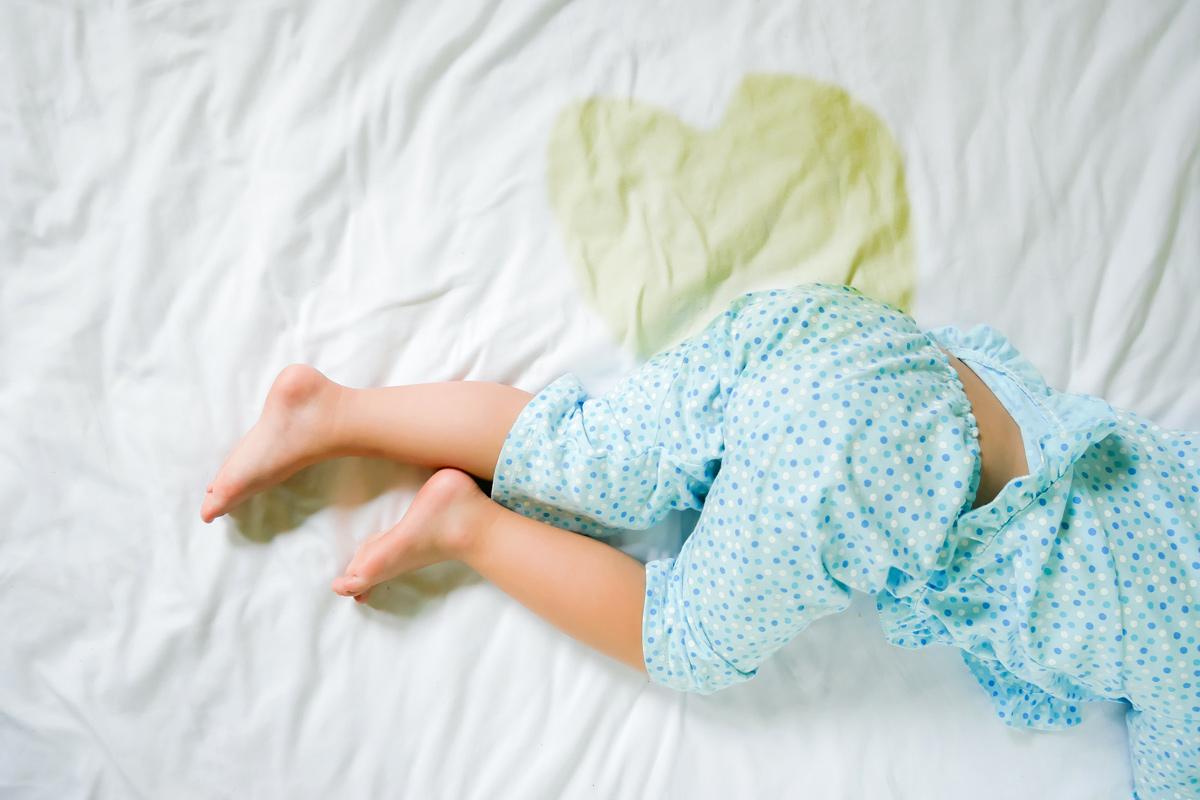 Enuresis: Wenn Kinder ins Bett machen