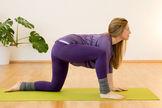Yogaübung gegen Rückenschmerzen Tanzende Katze