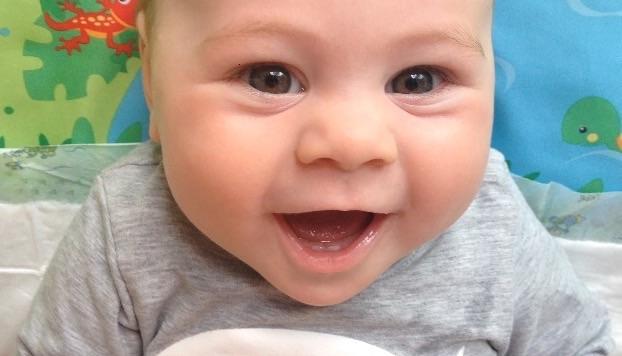 Babyfoto-Wettbewerb Juni 2015: Julia