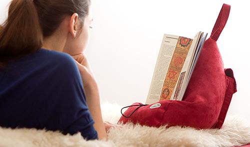 freihändig lesen mit dem Bookseat - familie.de testet