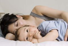 Darf ich unser Kind aus unserem Ehebett schmeißen?