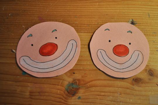 Bunte Clowns-Gesichter