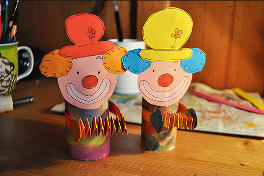 Papier-Clown basteln