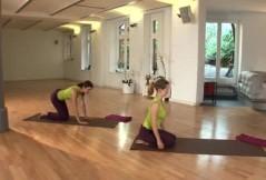 Rückbildungsgymnastik für zu Hause: der Seitstütz
