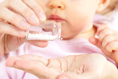 Homöopathie fürs Baby: Wann kann Homöopathie speziell Babys helfen?
