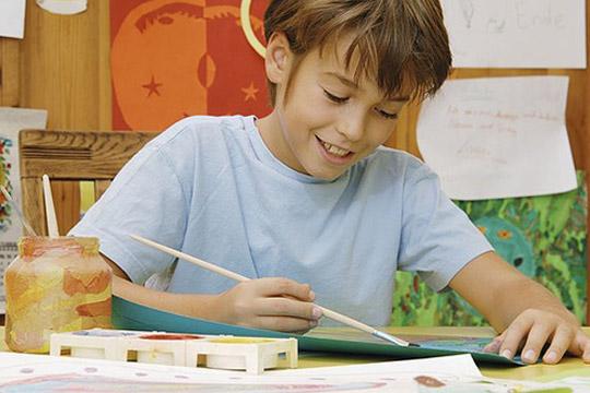 Das sollte das Kind zur Einschulung können: Bild von einer Person malen
