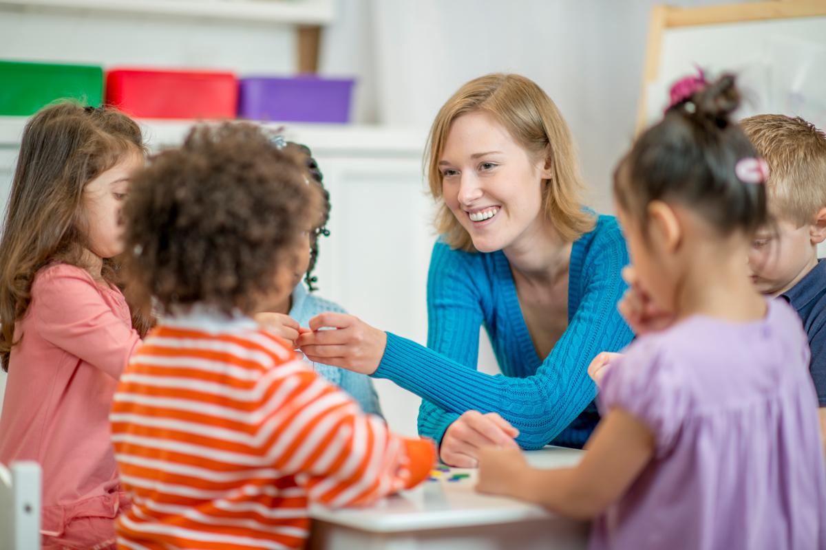Erzieherin im Kindergarten