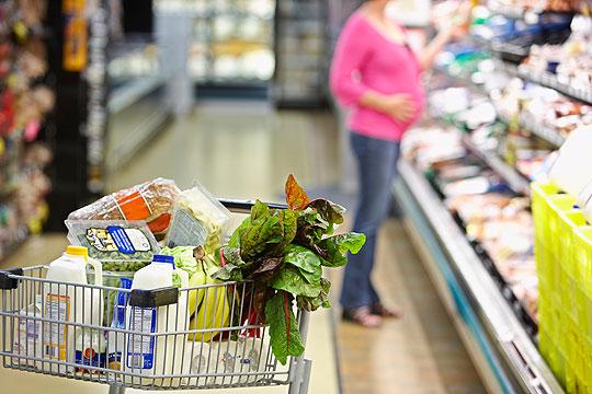 Welche Lebensmittel gehören regelmäßig auf den Speiseplan?
