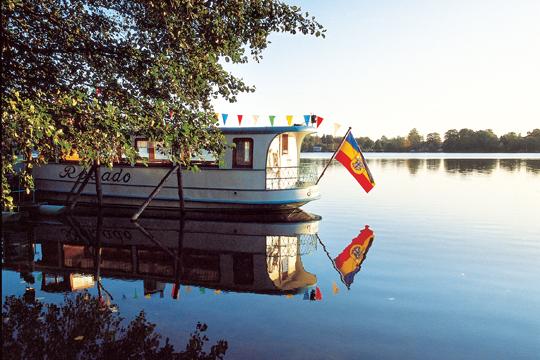 Hausboot auf dem Malchiner See