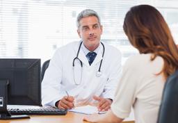 Ärztliche Beratung in der Kinderwunschklinik