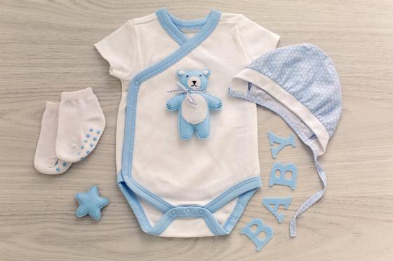 Funktionelle Babykleidung