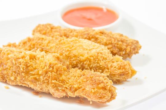 Hähnchennuggets mit Cornflakes-Panade