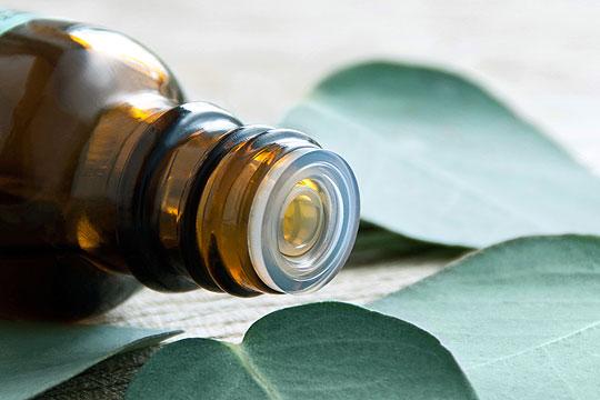 Behandlung mit ätherischen Ölen