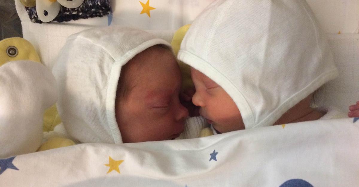 Fritzi und Emma nach der Geburt
