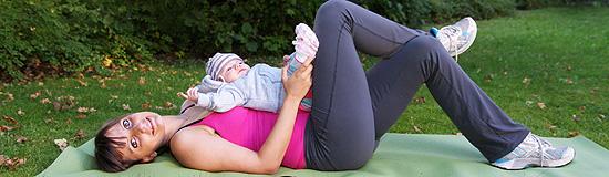 Jana Wetterau-Kliebisch zeigt Übungen für werdenden Mamis