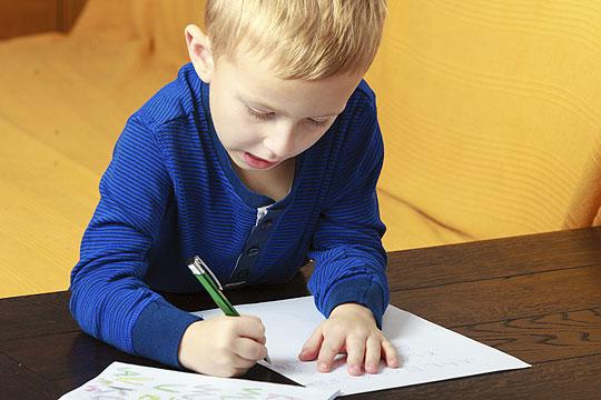 Heimweh bei Kindern: Postkarten oder Briefe statt telefonieren