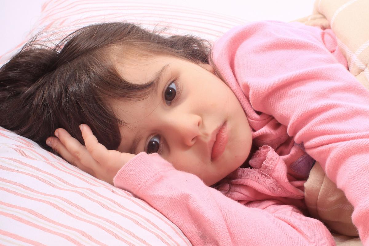 Kind leidet an Schlaflosigkeit