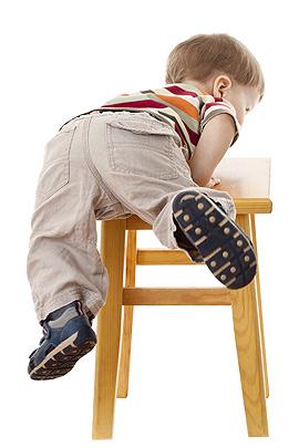 Kindersicherheit: Kippsichere Möbel im Kinderzimmer