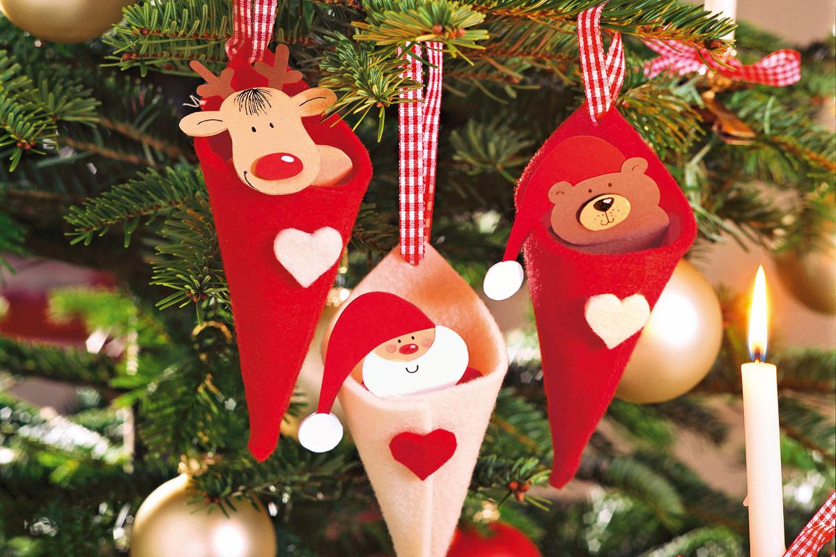 Klassischer Weihnachtsbaumschmuck In Rot Weiss Familie De