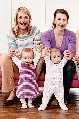 Mütter in einer Krabbelgruppe