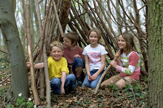 Ausflüge mit Kindern: Laubhütte